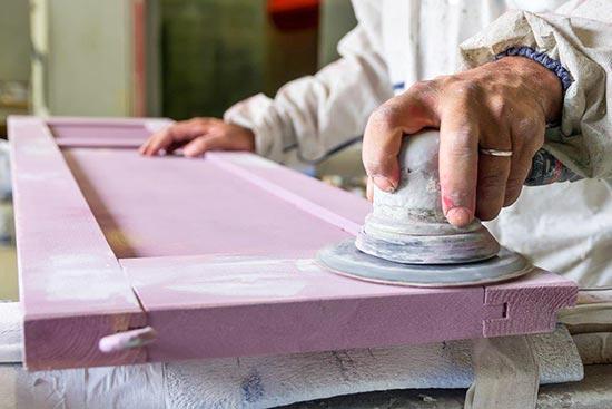 Atelier de peinture des volets bois à Marseille